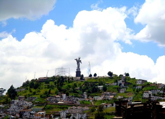 El Monumento de la Virgen de Quito
