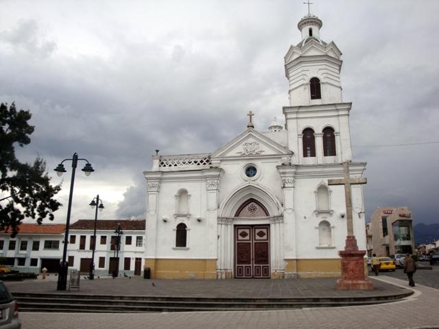 La Iglesia de San Sebastián y su cruz