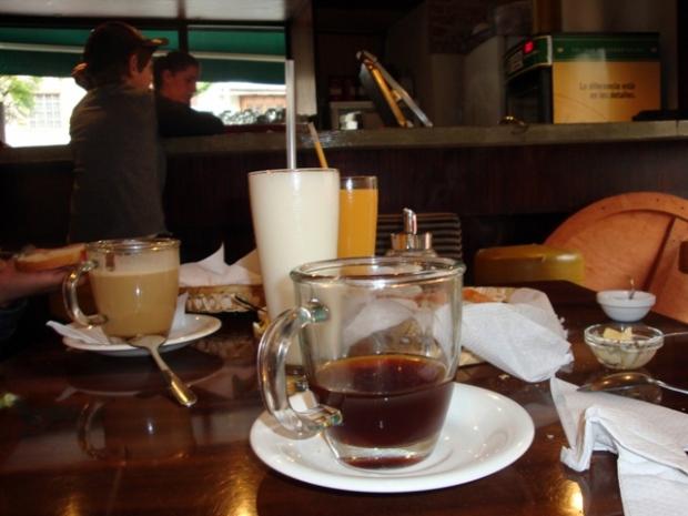 Desayuno en Tugo