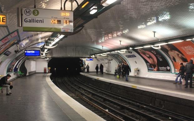Arts_et_Métiers_3_(Métro_Paris)_vers_Gallieni_par_Cramos