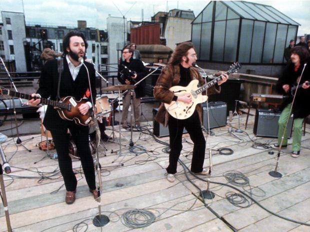 Los Beatles en el tejado
