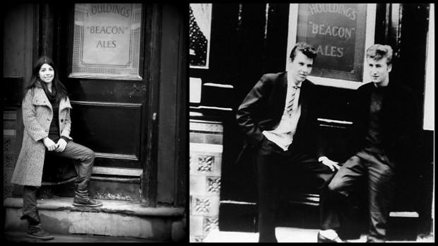 Una vieja foto de John en la puerta del pub