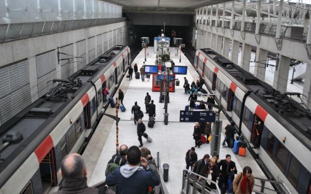 Paris-Charles_de_Gaulle_Airport_-_RER_B_Station