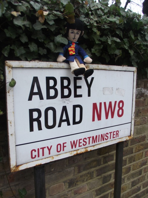 Mini Paul en Abbey Road