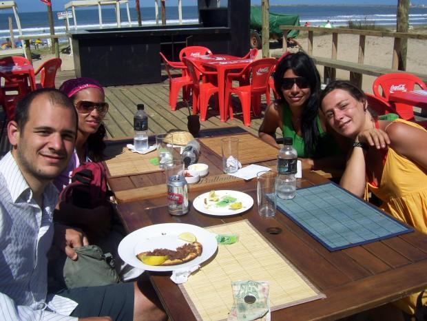 Disfrutando de un almuerzo en la Paloma