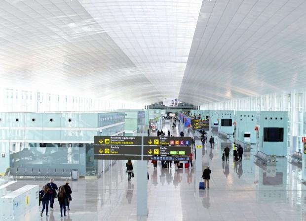 T1_del_Aeropuerto_de_Barcelona-El_Prat