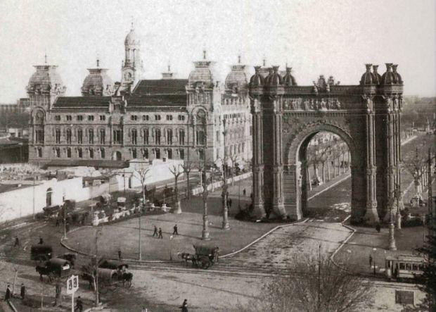 Arco de Triunfo - Foto del año 1889 - Fuente: www.ttanttak.com