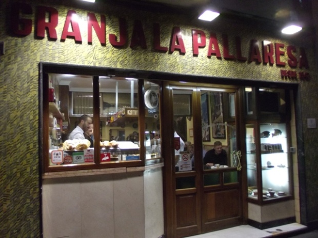 Fachada Granja La Pallaresa